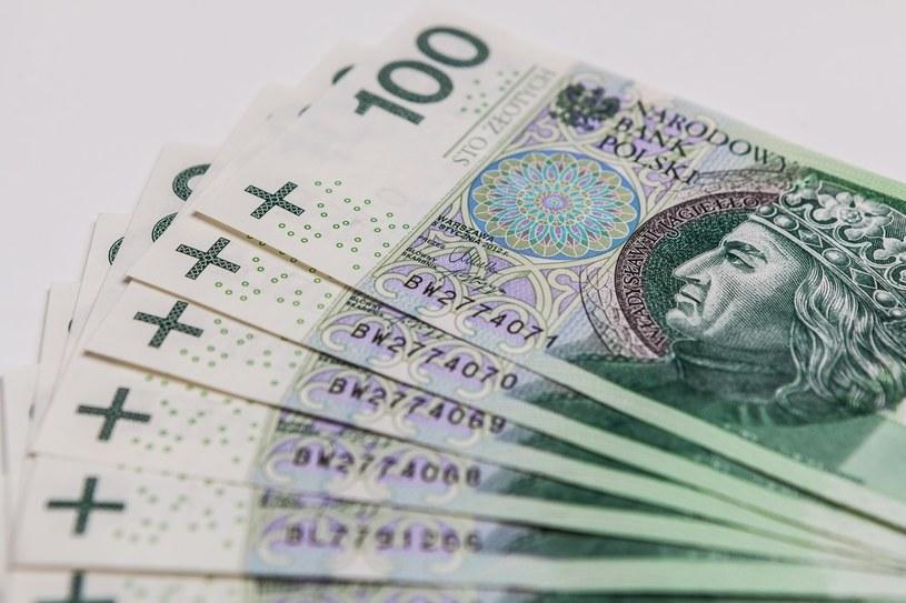 W Polsce przybywa milionerów /Adam Burakowski /East News