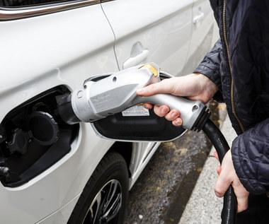 W Polsce są już 12 432 auta na prąd