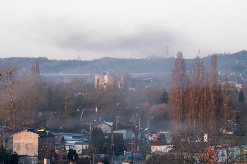 """W Polsce smog """"zabija"""" 40-50 tys. osób rocznie. Nie wiadomo, ile osób umrze na COVID-19 przez to, że zanieczyszczone powietrze osłabiło ich organizm /Wojciech Strozyk/REPORTER /East News"""