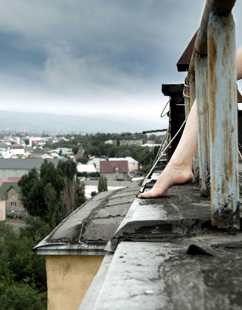 W Polsce tylko w ubiegłym roku ponad sześć tysięcy osób odebrało sobie życie /123RF/PICSEL