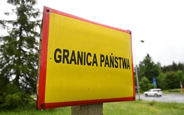 W Polsce w ciągu pięciu miesięcy tylko na podlaskim odcinku zatrzymano ponad 110 cudzoziemców /Darek Delmanowicz /PAP