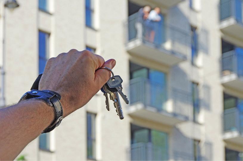 W Polsce wciąż brakuje mieszkań dla młodych rodzin / Zofia i Marek Bazak /East News