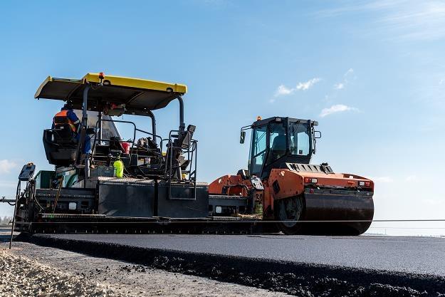W Polsce wciąż trwa budowa podstawowej sieci autostrad i dróg ekspresowych /©123RF/PICSEL
