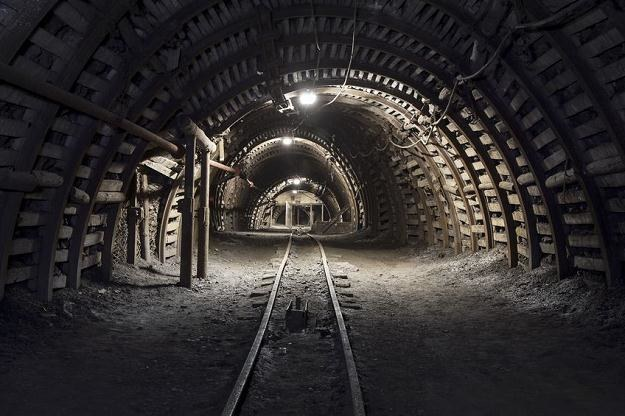 W polskich kopalniach wystepuje coraz większe zagrożenie metanowe /©123RF/PICSEL