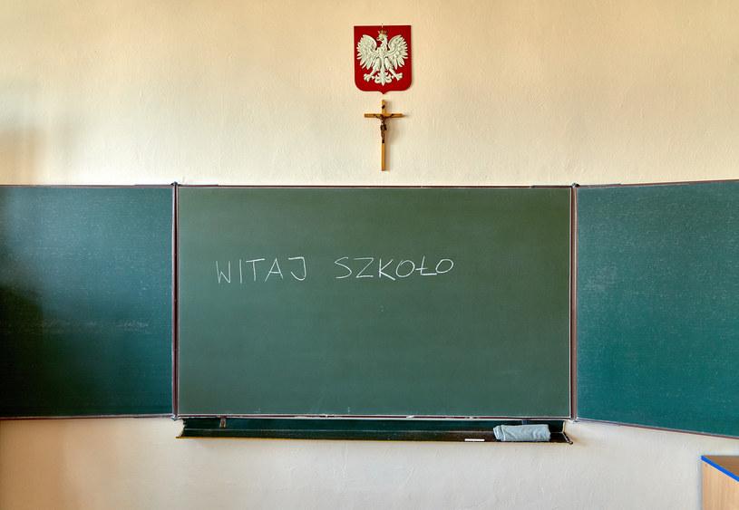 W poniedziałek do szkół wracają uczniowie klas I-III szkół podstawowych i szkół podstawowych specjalnych /Julian Sojka /East News