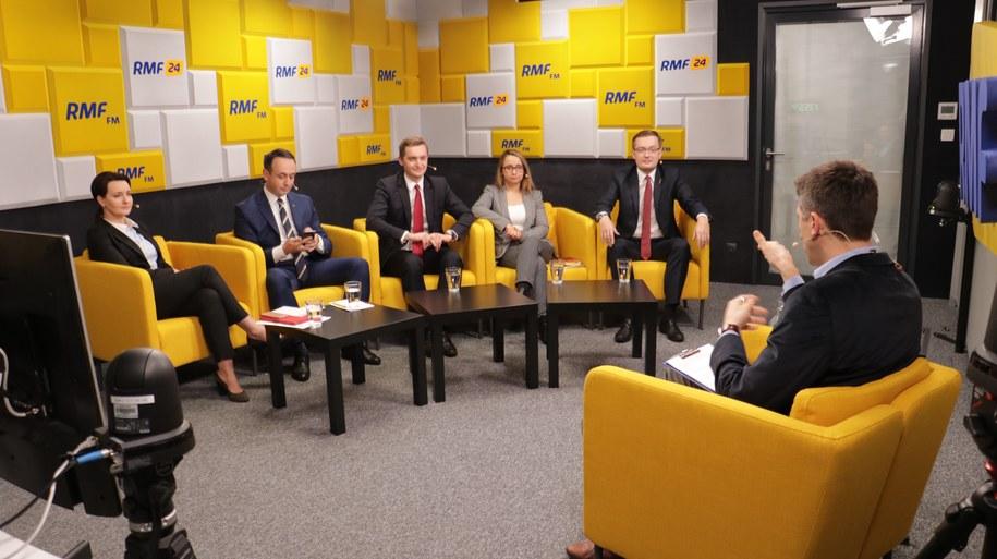 W poniedziałek przedstawiciele pięciu komitetów wyborczych dyskutowali o sprawach światopoglądowych /Karolina Bereza /RMF FM