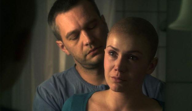 """W postac Agaty Mróz w filmie """"Nad życie"""" wcieliła się Olga Bołądź. /materiały dystrybutora"""