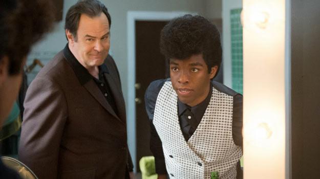 """W postać """"ojca chrzestnego"""" muzyki soul wcielił się Chadwick Boseman /materiały dystrybutora"""