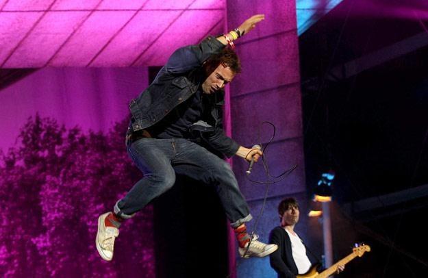 W powietrzy Damon Albarn, frontman Blur - fot. Danny Martindale /Getty Images/Flash Press Media