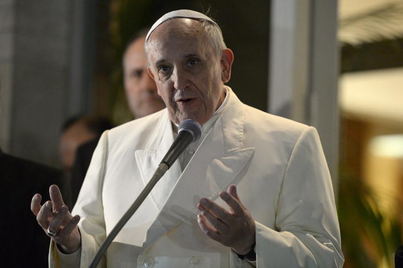 W pracach rady uczestniczy papież Franciszek /AFP