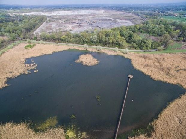 W próbkach gruntu obok składowisk przy ul. Dymarek w Krakowie stwierdzono m.in. 137-krotne przekroczenia dopuszczalnych wartości pestycydami i prawie 40-krotne WWA /RMF