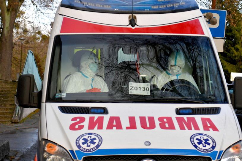 W próbkach od 30 Polaków, którzy wrócili z Chin, nie stwierdzono koronawirusa (zdj. ilustracyjne) / Marcin Bielecki    /PAP