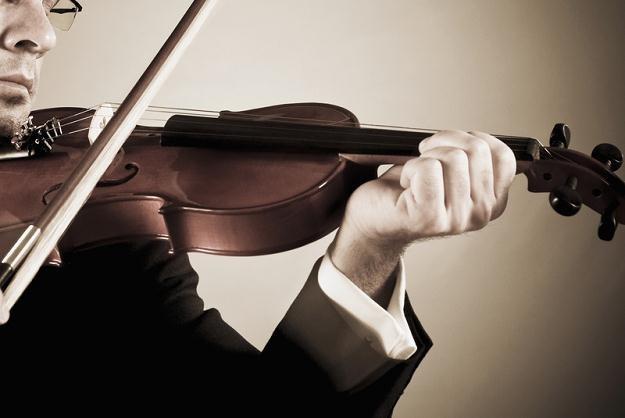 W programie koncertu w wykonaniu Orkiestry Czasów Zarazy znalazły się m.in. oberki i mazurki /© Panthermedia