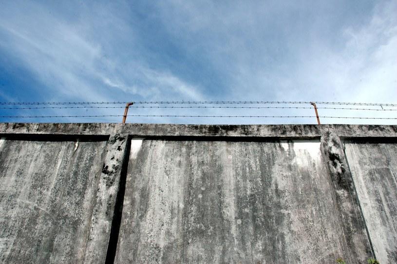 W prowadzonym od sierpnia 2008 r. śledztwie prokuratura bada, czy była zgoda polskich władz na stworzenie w Polsce tajnych więzień CIA /123RF/PICSEL