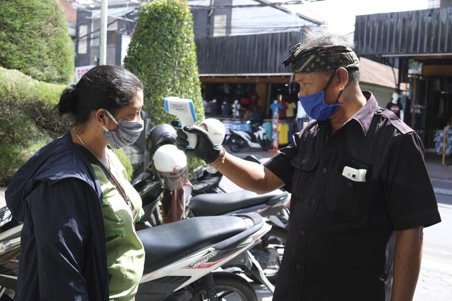 W prowincji Bali zanotowano do soboty 455 przypadków zachorowań na Covid-19 /MADE NAGI    /PAP/EPA