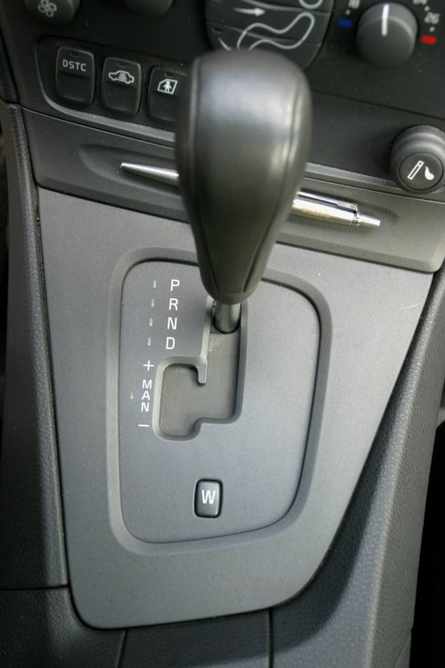 """W przypadku """"automatów"""" bezpieczniej będzie wezwać na pomoc holownik. /Motor"""