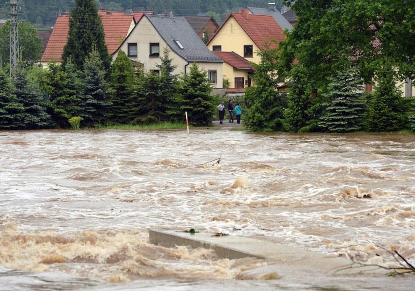 W przypadku nowych opadów należy obawiać się natychmiastowego pogorszenia sytuacji. /Hendrik Schmidt /PAP/EPA