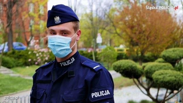 W przypadku policyjnej kontroli, nawet na ulicy - powinniśmy odsłonić twarz na życzenie funkcjonariusza. /Policja