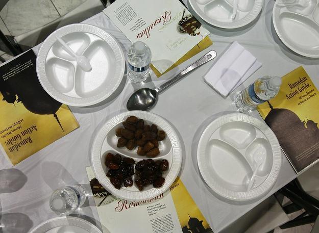 W przyszłości stawka VAT na gotowe posiłki i dania zostanie podwyższona /AFP