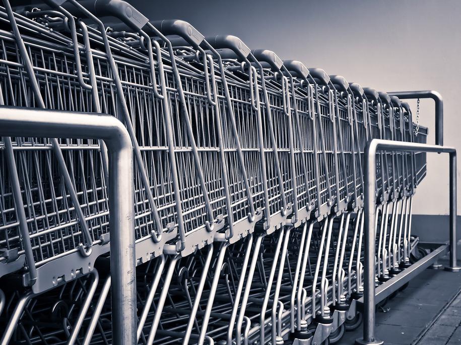 W przyszłym roku będziemy mieli mniej okazji do robienia niedzielnych zakupów. /pixabay.com /