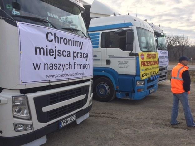 W ramach akcji protestacyjnej przewoźnicy wyjadą na drogi w kilkunastu miejscach kraju /Bartłomiej Paulus /RMF FM