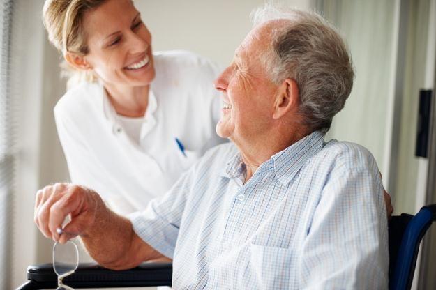 W ramach minijob pracuje wiele Polek, które zajmują się opieką nad starszymi /© Panthermedia