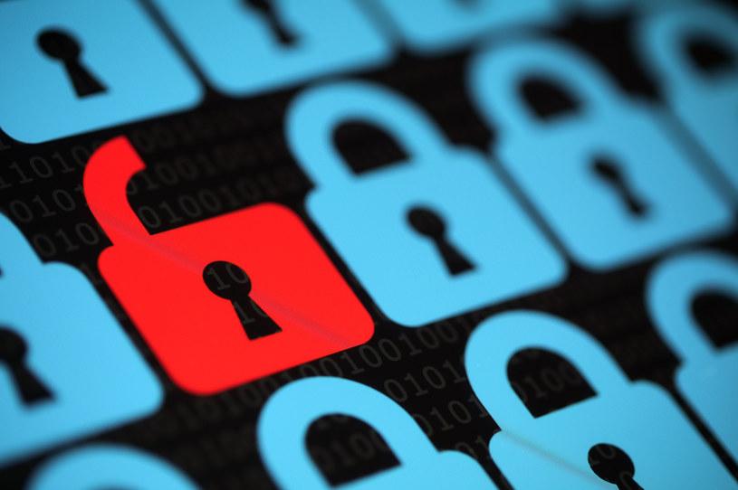 W ramach przygotowań do ataku BEC cyberprzestępcy zwykle inicjują korespondencję e-mail z pracownikiem ofiary /123RF/PICSEL