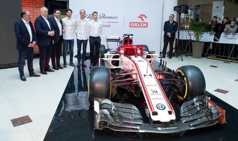 W ramach umowy na sezon 2021 Orlen zorganizował w Warszawie premierę bolidu Alfy Romeo /Getty Images