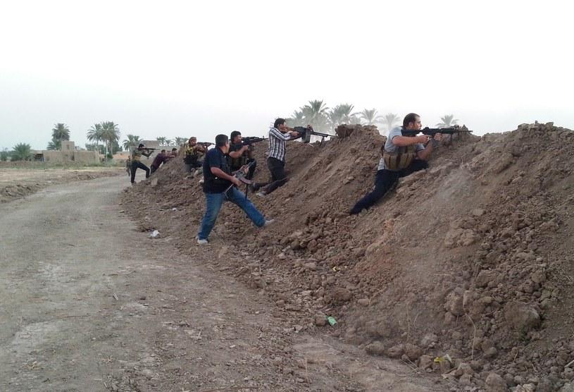W Ramadi wciąż trwają starcia /AFP