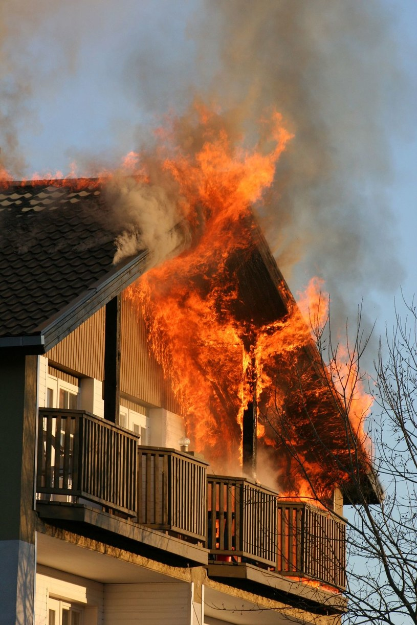 W razie pożaru nie panikuj, tylko działaj! /123RF/PICSEL