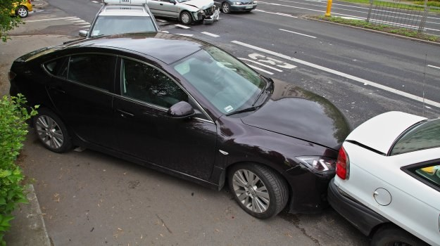 W razie stłuczki brak OC oznacza problem nie tylko dla właściciela, samochodu, ale i dla kierowcy. /Motor