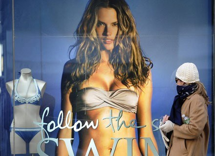 W reklamie erotyka zawsze działa... /AFP