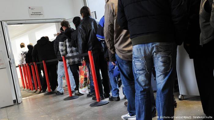 W RFN coraz więcej osób z zagranicznym paszportem jest odbiorcą pomocy socjalnej /Deutsche Welle