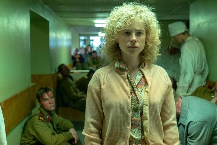 """W rolę Ludmiły Ignatenko w """"Czarnobylu"""" wcieliła się Jessie Buckley /materiały prasowe"""