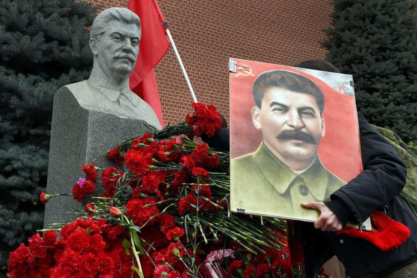W Rosji nie brakuje osób, które czczą Józefa Stalina /AFP