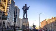 W Rosji odsłonięto pomnik Kałasznikowa. Monument ma jednak wadę
