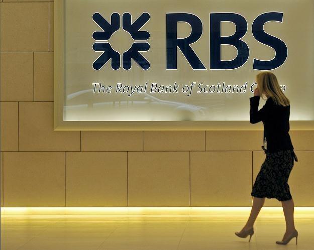 W Royal Bank of Scotland w samej Wielkiej Brytanii pracę straciło 20 tys. osób /AFP