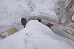 W Rumunii śniegu po dachy domów