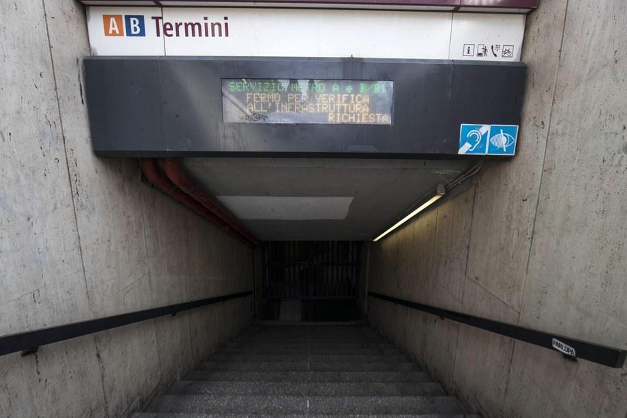 W Rzymie ewakuowano metro /MASSIMO PERCOSSI /PAP/EPA