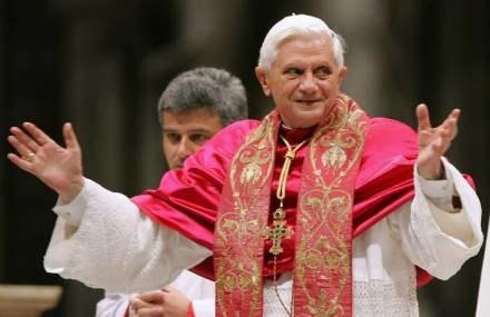 W Rzymie rozpoczęły się obchody z okazji 80. urodzin Benedykta XVI /AFP
