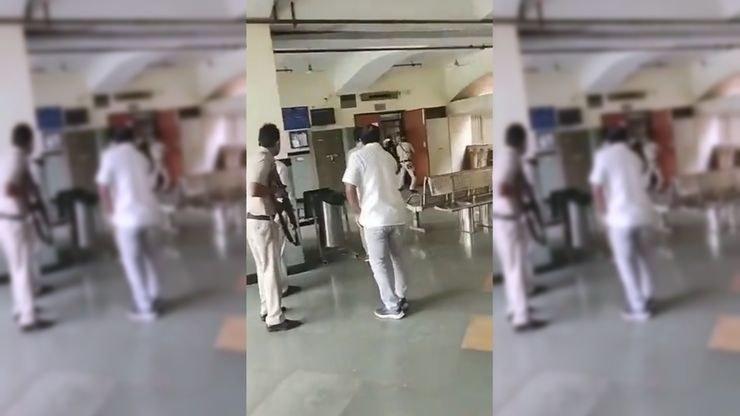 W sądzie w Indiach doszło do strzelaniny (Źródło: Twitter/@AdityaRajKaul) /Twitter