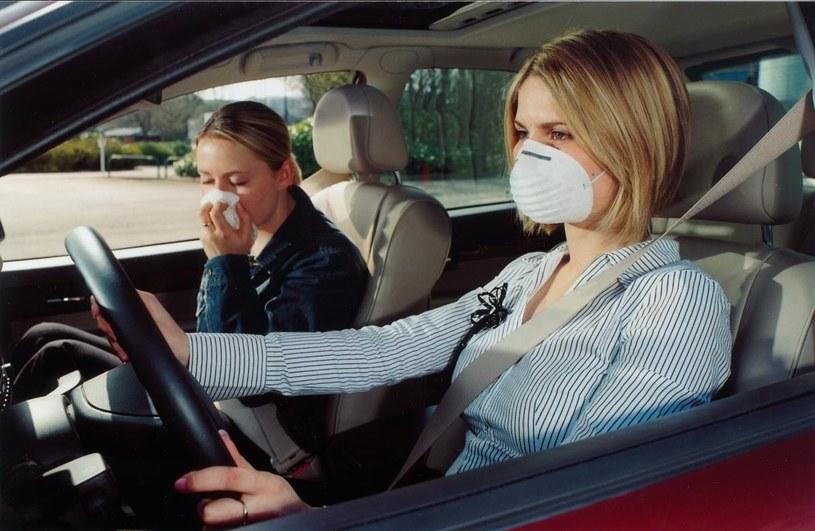 W samochodzie maseczka jest niepotrzeba. Wystaczy dobry filtr /