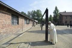 W samotności i ciszy... Papież Franciszek w Auschwitz-Birkenau