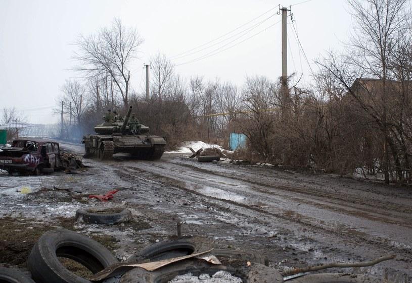 W samym Doniecku i jego okolicach bojówkarze wzmacniają swoje pozycje, spodziewając się ataku wojsk ukraińskich /AFP