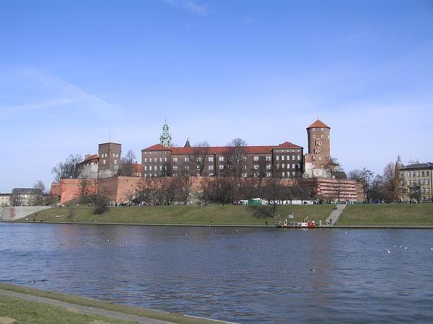 W samym Krakowie zarobki były o prawie 6 proc. wyższe niż w Polsce /INTERIA.PL