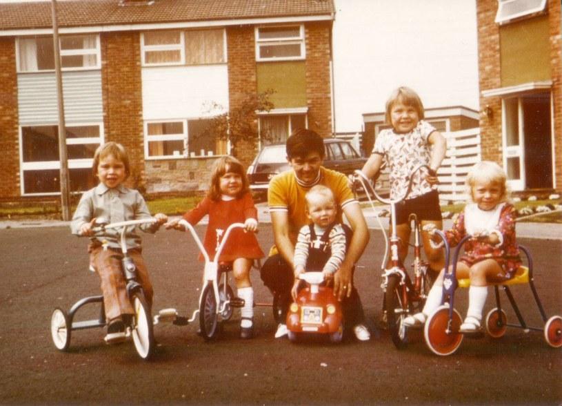W Scarfolk trwa rok 1979 r. Jego mieszkańcom zdaje się to odpowiadać... /facebook.com/pages/Scarfolk-Council /materiały prasowe