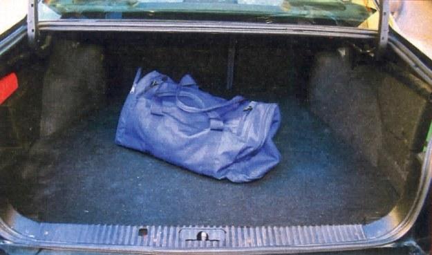 W sedanie kufer mieści 470 l, w liftbacku o 30 l mniej. /Motor