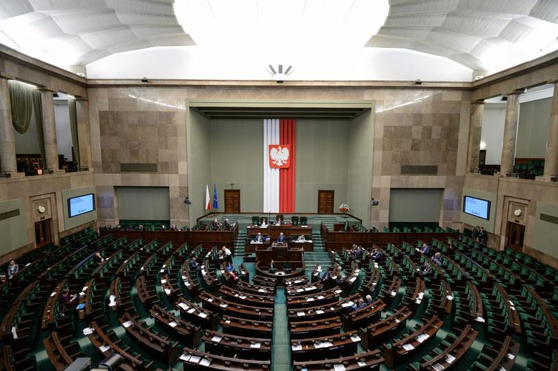 W Sejmie trwa blok głosowań /Marcin Obara /PAP