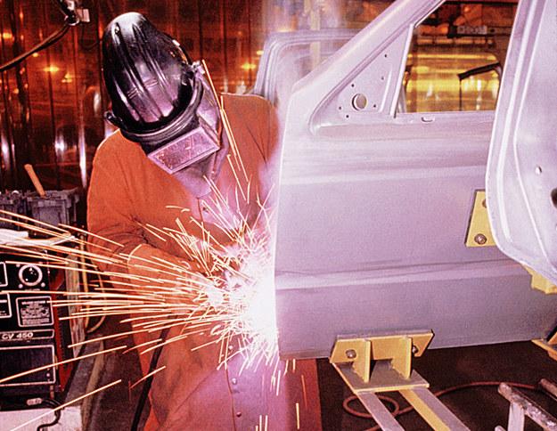 W sektorze produkcyjnym w Czechach można zarobić nawet 31,5 zł brutto za godzinę /© Glowimages