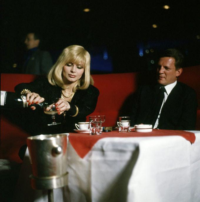 """W serialu """"07 zgłoś się"""" w rolach epizodycznych pojawiały się znane aktorki, na przykład Izabela Trojanowska /materiały prasowe"""